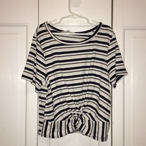 size S GREAT CONDITION knitted front TEE STRIPED
